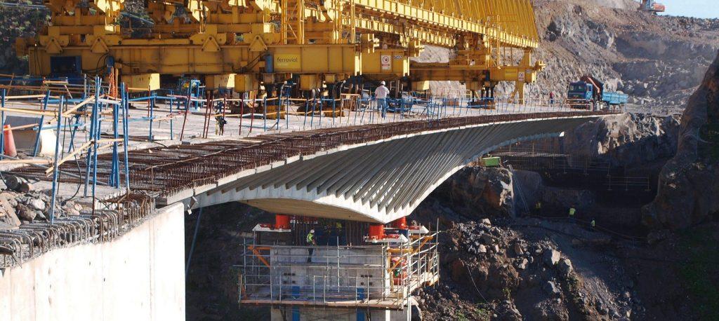 Cilijndro-hidráulico-construcción-de-puentes