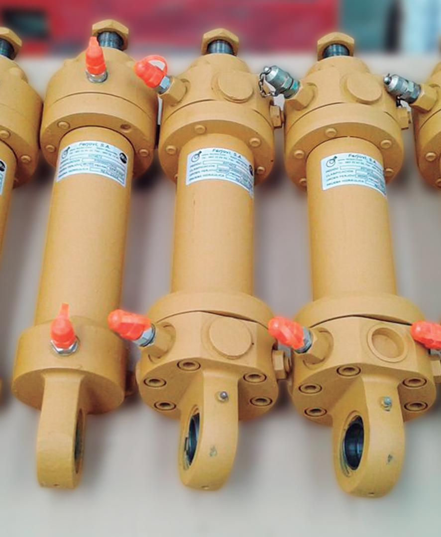 Reparación de conjunto de cilindros hidráulicos ripadores