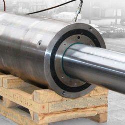 Big hydraulic cylinder